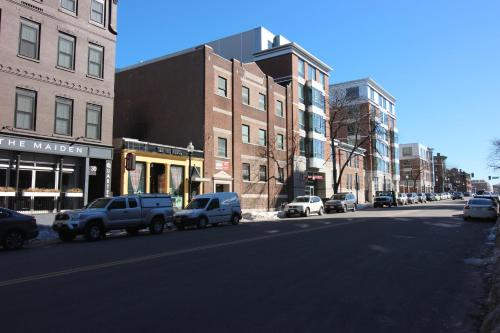 West Broadway Quarters by Short Term Rentals Boston Photo