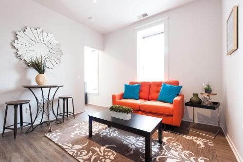 One-bedroom On E Roosevelt Road Apt 304