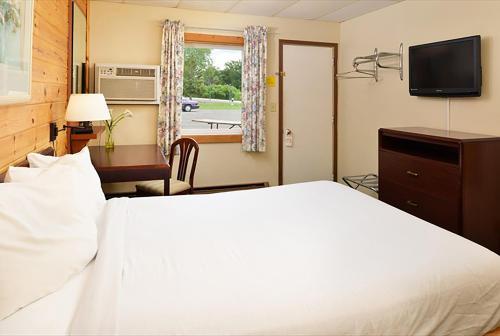 Cruise Inn Rv Park & Hotel - Alexandria, MN 56308