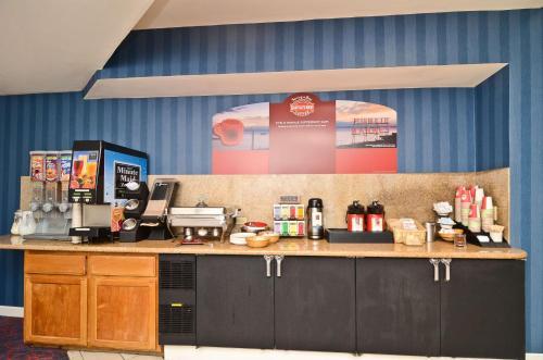 Best Western Plus All Suites Inn Photo