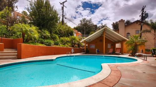 Best Western Woodland Hills Inn Photo