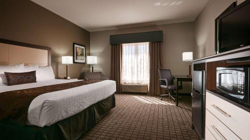 Best Western Plus Magee Inn & Suites - Magee, MS 39111