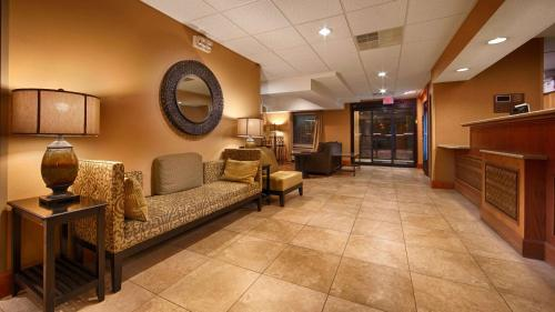 Best Western Plus Mishawaka Inn - Mishawaka, IN 46545