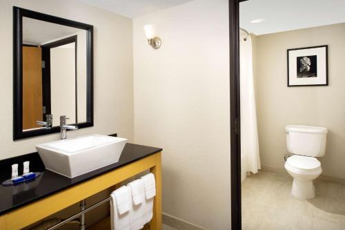 Best Western Alamo Suites Downtown Photo