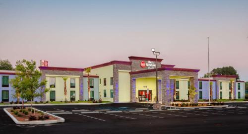 Best Western Plus Hardeeville Inn & Suites - Hardeeville, SC 29927