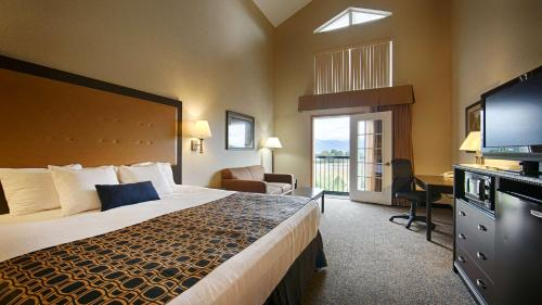 Best Western Plus Grant Creek Inn Photo