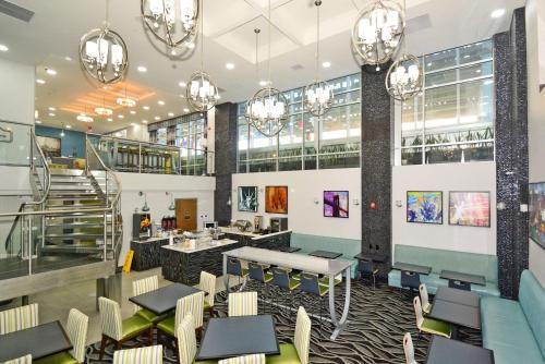 Best Western Plus LaGuardia Airport Hotel Photo