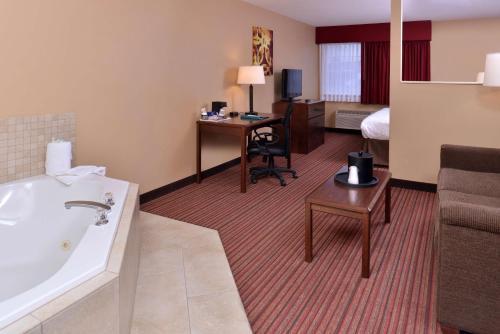 Best Western Woodland Inn & Suites - Woodland, WA 98674