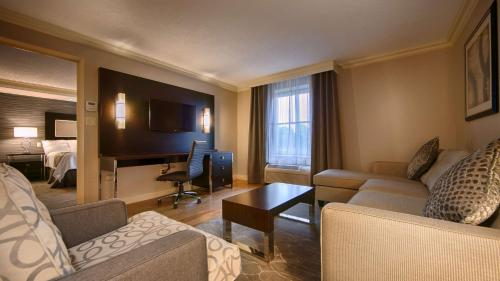 Best Western Plus The Arden Park Hotel - Stratford, ON N5A 3J3