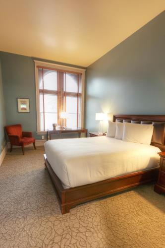 Montvale Hotel Photo