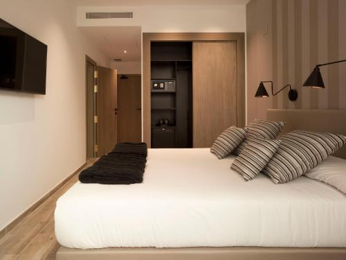Budget Double or Twin Room - single occupancy Hotel Boutique Balandret 11