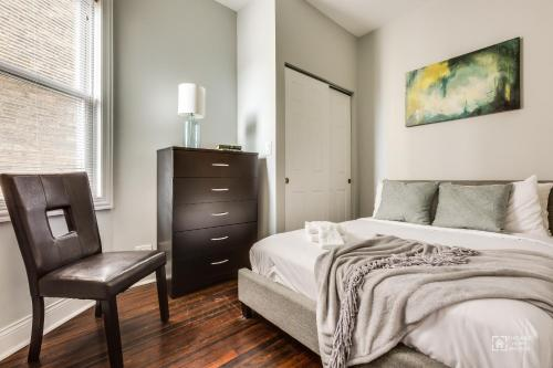 Apartments On N Clark Street - Chicago, IL 60613
