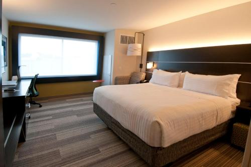 Holiday Inn Express & Suites Johnstown - Johnstown, PA 15904