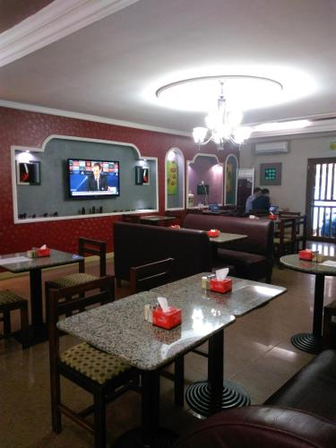 HotelGolden Plazza
