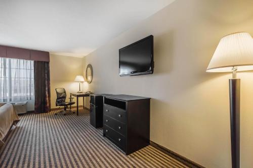 Comfort Inn & Suites Newton Photo