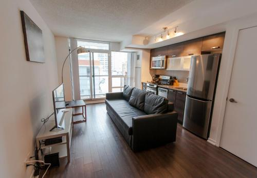 Life Suites Queen Street 2 Bed Apartment - Toronto, ON M6J 0B1