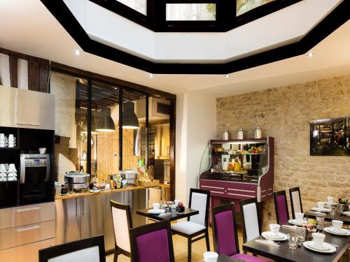 Hôtel Jacques De Molay photo 2