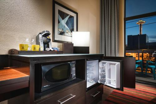 Staypineapple At The Maxwell Hotel - Seattle, WA 98109
