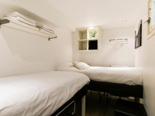 Chariot Amsterdam - canal apartment photo 14