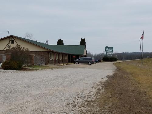 Midwest Inn - Paoli, IN 47454