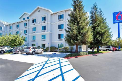 Motel 6 San Francisco - Redwood City Photo