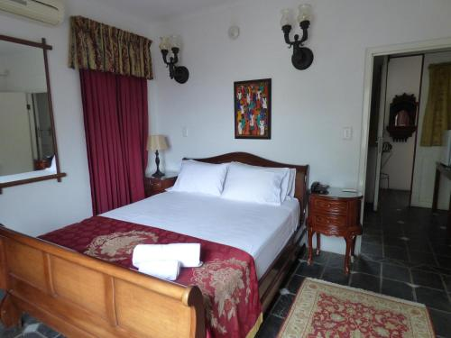 Capital House Boutique Hotel Photo