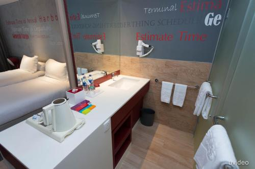 ibis Styles Batam Nagoya photo 13