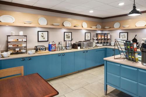 Country Inn & Suites by Radisson, Lexington, KY Photo