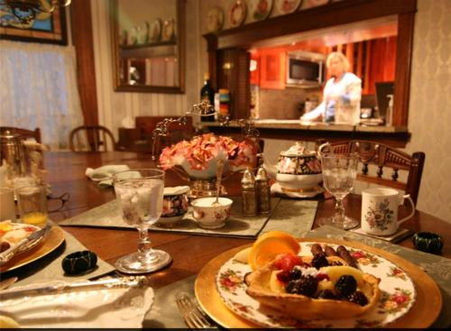 Mildred's Bed & Breakfast - Seattle, WA 98112