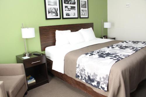 Sleep Inn & Suites Haysville Photo