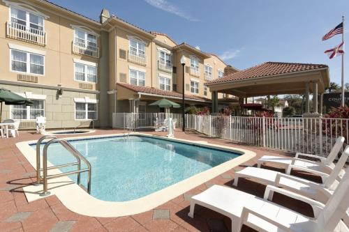 Country Inn & Suites by Radisson, St. Augustine Downtown Historic District, FL Photo
