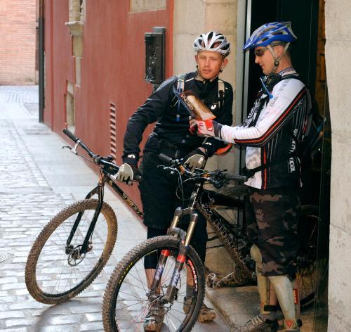 Carrer del Portal de la Barca, 4, 17004 Girona, Spain.
