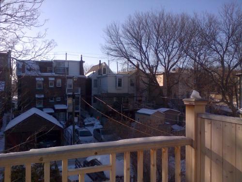 Riverdale Family Friendly 3 Ensuites Bedrooms - Toronto, ON M4J 2Y9