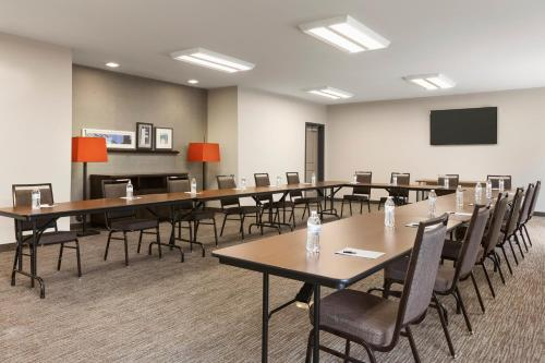Country Inn & Suites by Radisson, Smithfield, NC Photo