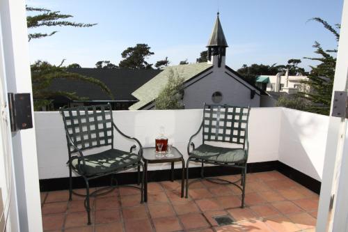 Cypress Inn Photo