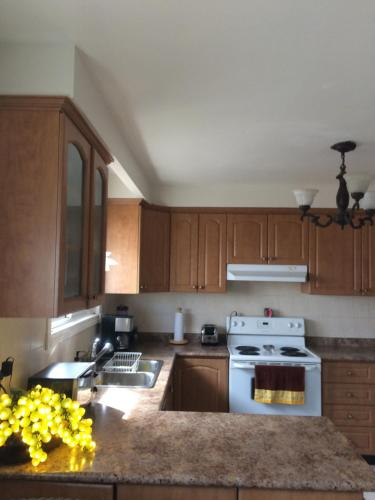 Private Comfortable Room For Two - Mississauga, ON L5L 1S4