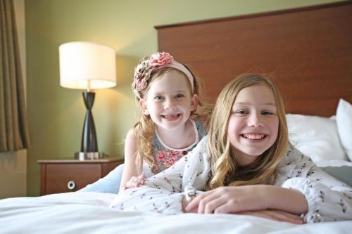 AmericInn Hotel & Suites Sioux Falls Photo
