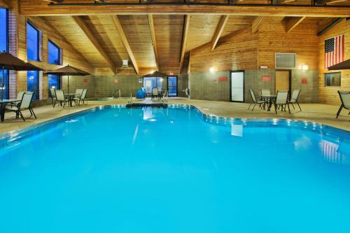 AmericInn Lodge & Suites Aberdeen Photo