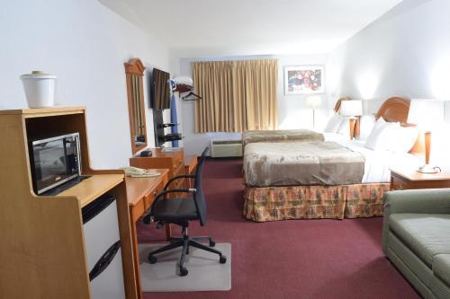 Rodeway Inn & Suites New Paltz Photo