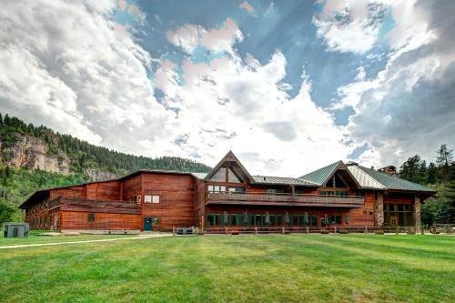 Spearfish Canyon Lodge - Lead, SD 57754