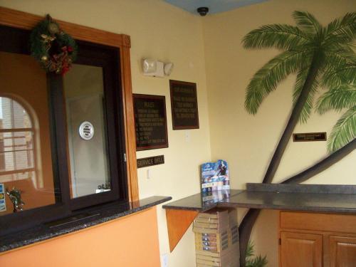 Luxury Inn And Suites Seaworld - San Antonio, TX 78227