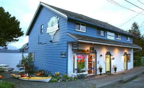 Tofino Paddlers Inn - Tofino, BC V0R 2Z0