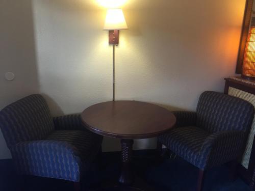 Maple Leaf Inn & Suites - Kissimmee, FL 34746