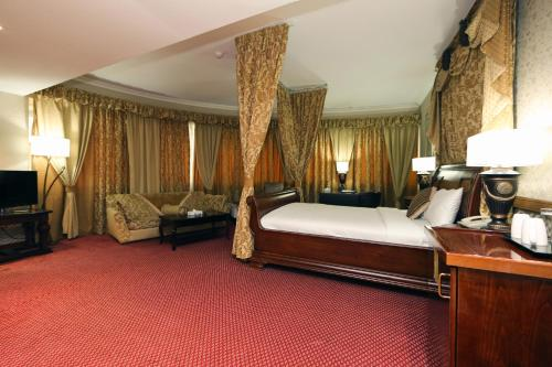 Delmon Hotel photo 16