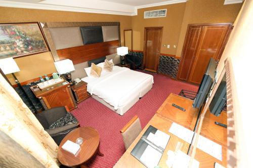 Delmon Hotel photo 22