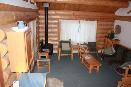 Sleeping Wolf One Bedroom At Wolfridge Resort - Winthrop, WA 98662