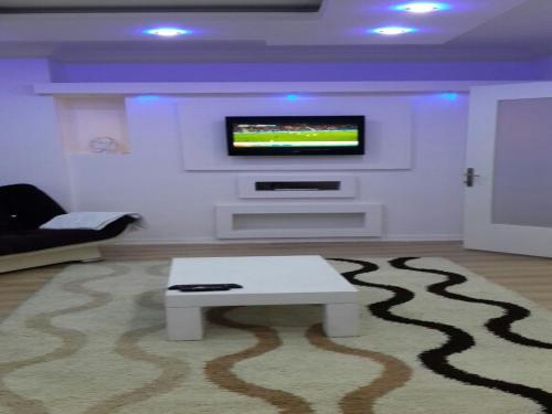 Izmir Karsiyaka Ozkan Apart adres