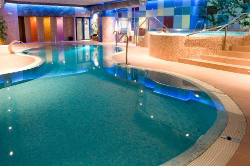 Hotel spa hotel ciudad de teruel teruel desde 65 rumbo for Piscina teruel