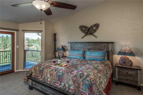 Southern Comfort Three-bedroom Holiday Home - Ruidoso, NM 88345