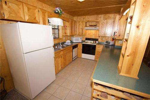 123 Rising Hill Two-bedroom Holiday Home - Ruidoso, NM 88345